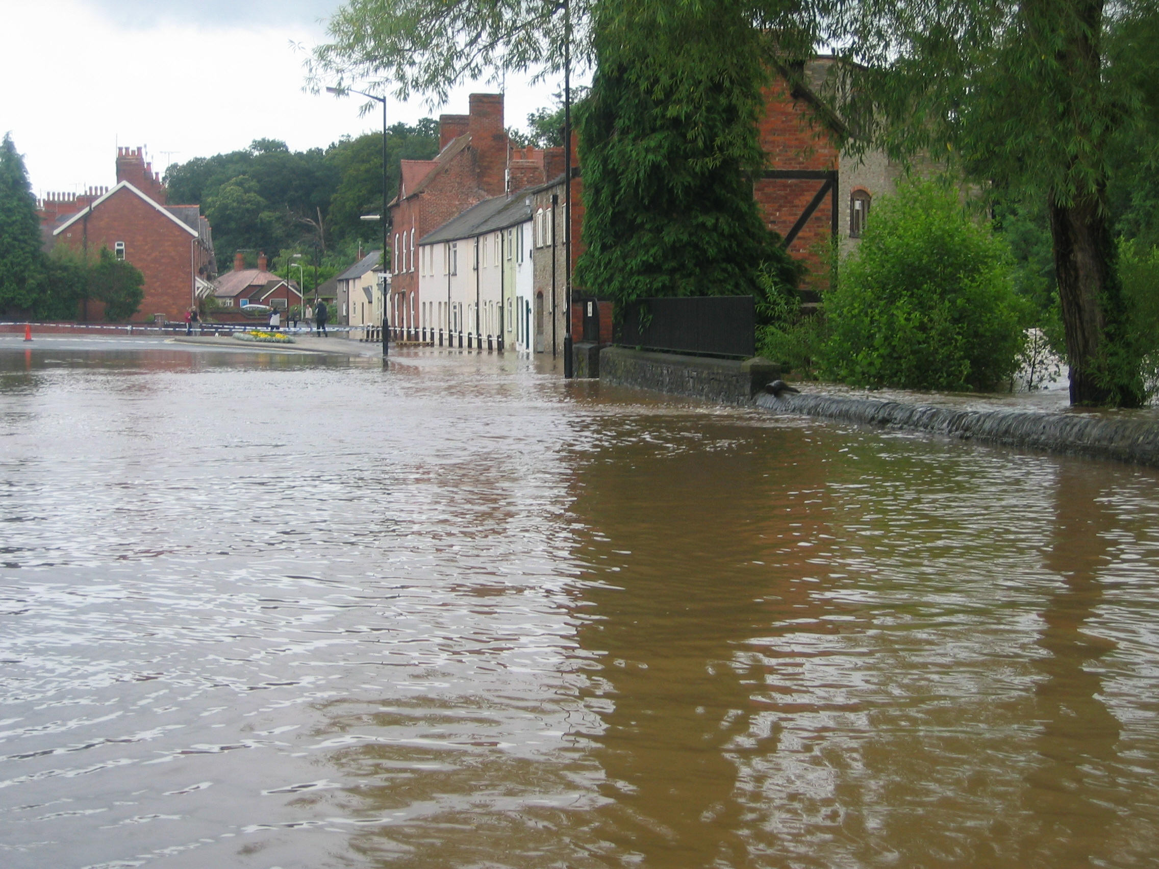 flooding in Ludlow - Temeside July 2007